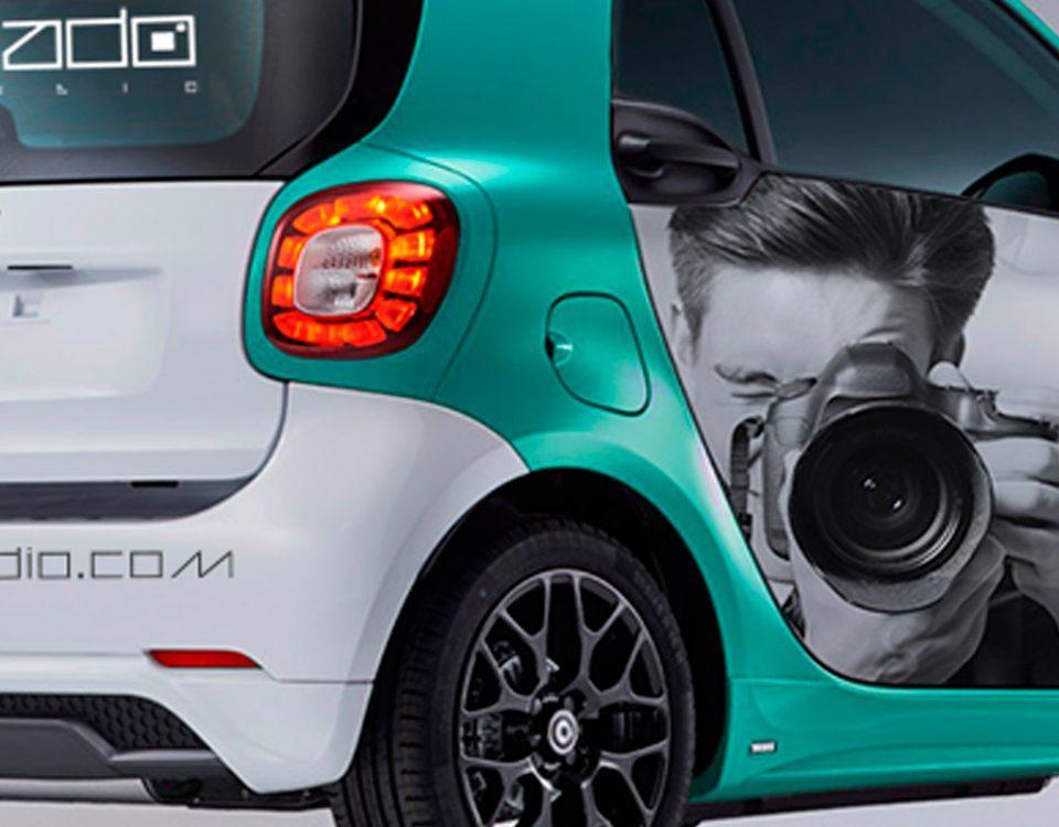 Rotulacion de coche Smart en Madrid para Virado Studio. Rotula tus coches con la mejor empresa de rotulacion en Madrid. Prorotul rotulacion profesional para coches.